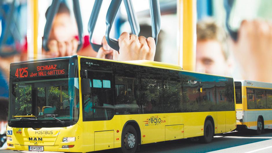 Mit einem zweiteiligen Buszug dieser Art trug sich der Vorfall in Wattens zu. Im Anhänger wurden zwei Schülerinnen, die stehend befördert wurden, erheblich verletzt.