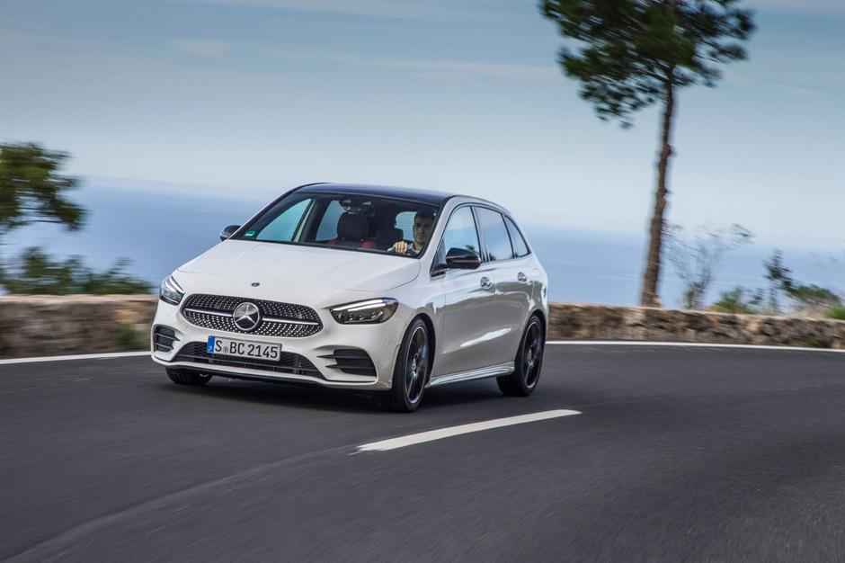Kurz nach Jahreswechsel rollt die neue B-Klasse zu den heimischen Mercedes-Händlern.