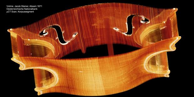 """Ein Korpussegment einer Stainer-Geige aus dem Jahr 1671, von """"Violinforensic"""" gescannt."""