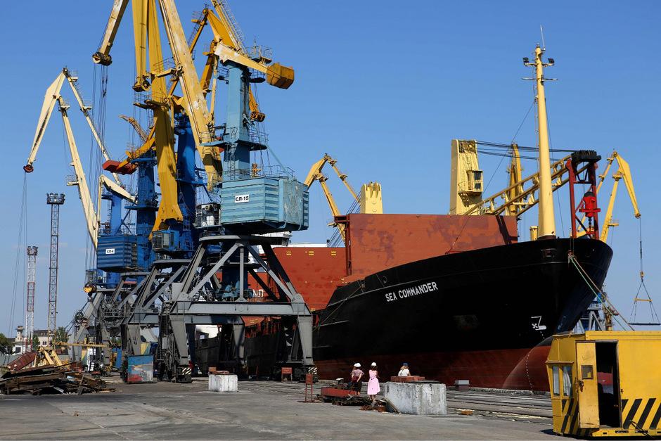 Die ukrainischen Schiffe waren in der Nacht zum Sonntag auf dem Weg von der ukrainischen Hafenstadt Odessa nach Mariupol am Asowschen Meer. (Archivfoto)