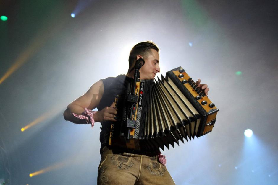 Andreas Gabalier begeisterte seine Tiroler Fans in der Innsbrucker Olympiahalle.