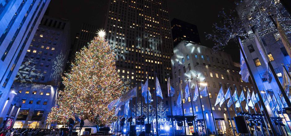 Weihnachtsbaum Rockefeller Center.Lichter Am Weihnachtsbaum Vor Dem Rockefeller Center Angezündet