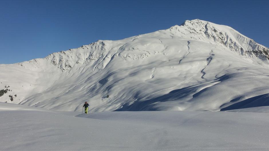 Der Protest gegen den geplanten Skigebietszusammenschluss – hier die Feldringer Böden – wird immer breiter. 9000 Personen haben eine Online-Petition bereits unterschrieben, jetzt wehren sich auch die Bauern.