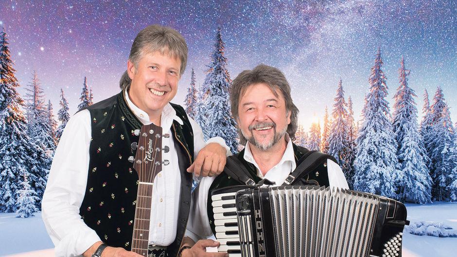 Die Tiroler Herzenbrecher laden zum Weihnachtskonzert.