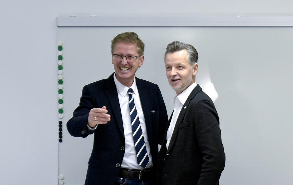 vida-Chef Roman Hebenstreit (R) und Arbeitgeber-Chefverhandler Thomas Scheiber starteten optimistisch in die 10. Verhandlungsrunde.