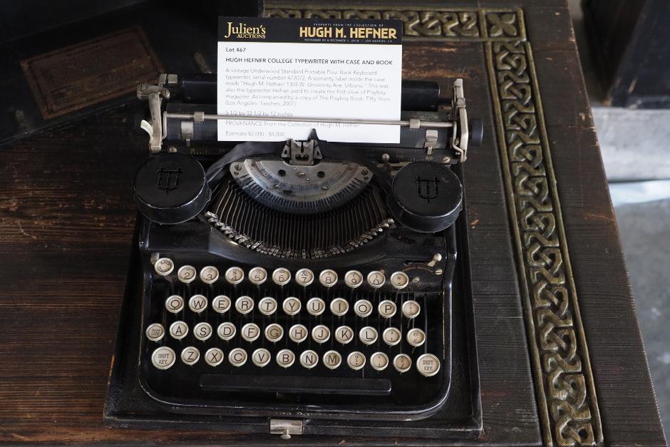 Die Schreibmaschine, mit der Hefner 1953 den ersten Playboy verfasst hatte, brachte 162.500 Dollar.