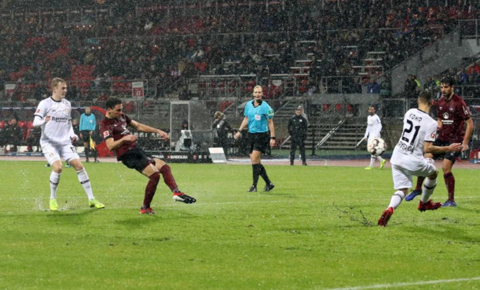 Georg Margreitter traf in der 56. Minute unter erschwerten Bedingungen - es regnete in Strömen.