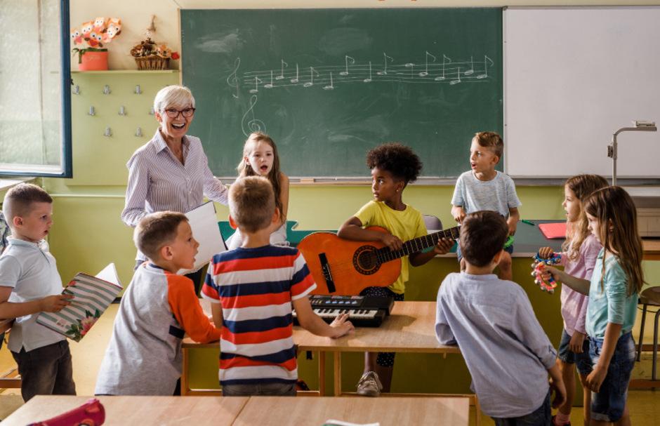 Das gemeinsame Musizieren in der Klasse an drei Tagen in der Woche droht abgeschafft zu werden.