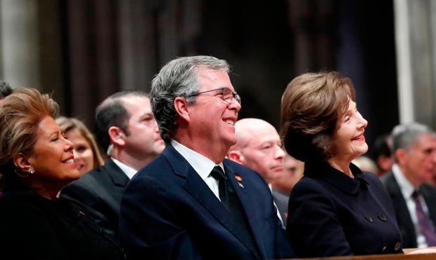 Die Ansprache des Ex-Präsidenten sorgte aber auch für einige Lacher, etwa bei seinem Bruder Jeb.