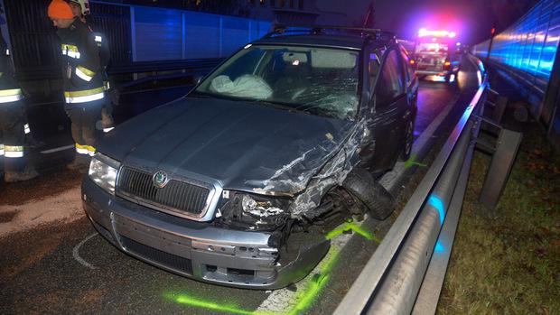 Die Unfallautos wurden erheblich beschädigt.