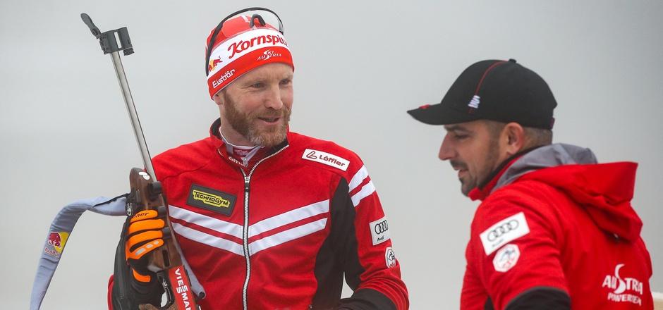 Simon Eder (l.) durfte sich gemeinsam mit dem neuen ÖSV-Cheftrainer Ricco Gross über einen Podestplatz freuen.