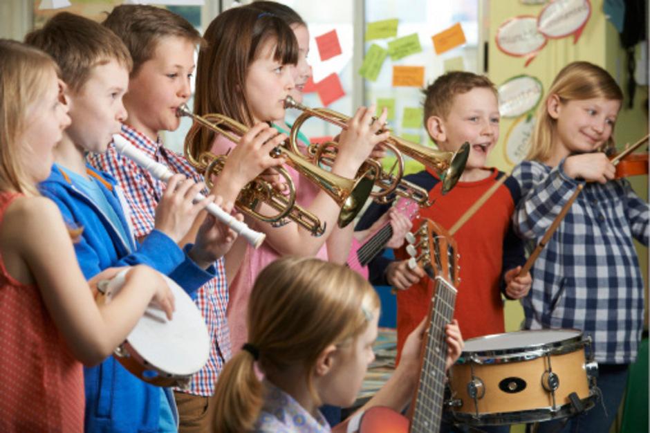 In den Musikvolksschulen wird auch in Zukunft aufgespielt.<span class=&quot;TT11_Fotohinweis&quot;>Foto: iStock</span>
