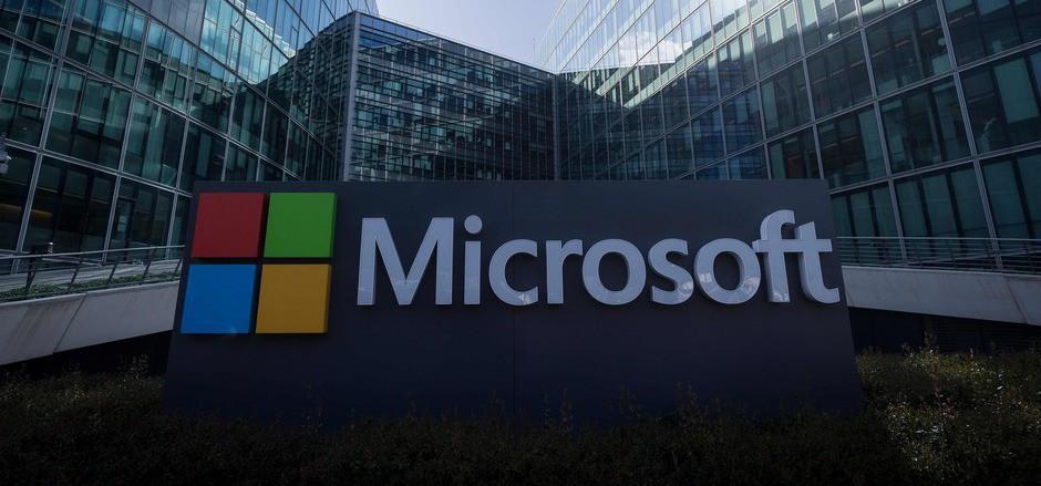 Microsoft hatte einst selbst die dominierende Position bei Webbrowsern mit dem Internet Explorer. Sie wurde aufgebrochen als zunächst Firefox und dann Googles Chrome auf den Markt kamen.