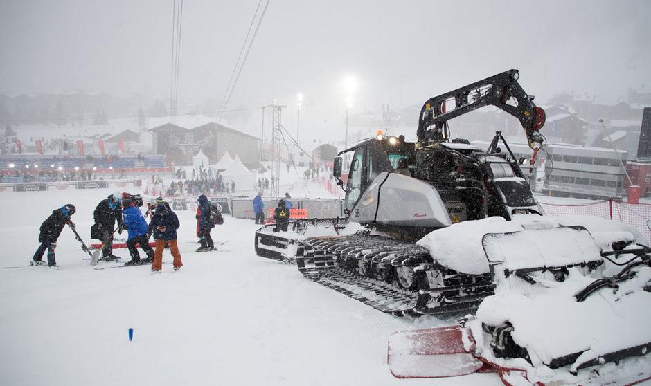 Dichter Schneefall und starke Windböen wurden in Val d'Isere zum Spielverderber.
