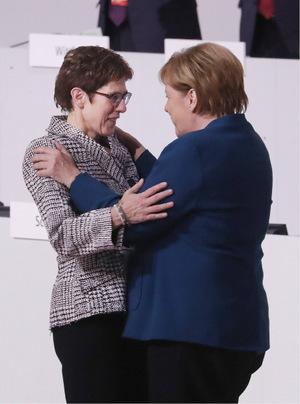 Merkel war eine der ersten Gratulanten.