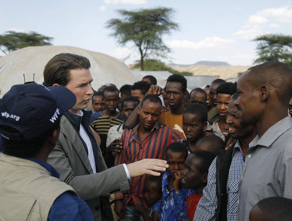 Bundeskanzler Sebastian Kurz bei einem Besuch des Flüchtlingslagers Qologji in Äthiopien.