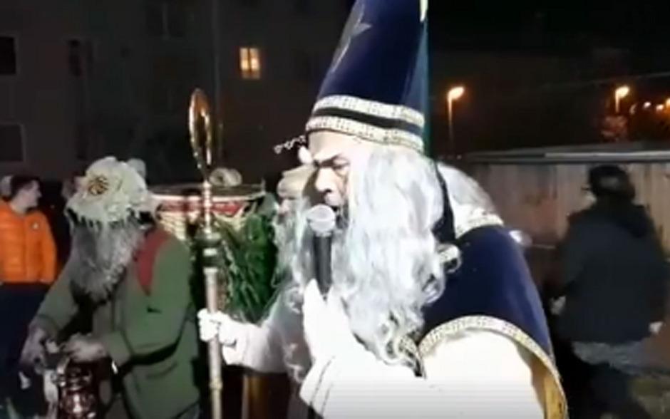 Ein Video einer Nikolaus-Rede in Bad Gastein macht derzeit in sozialen Medien die Runde. (Screenshot)