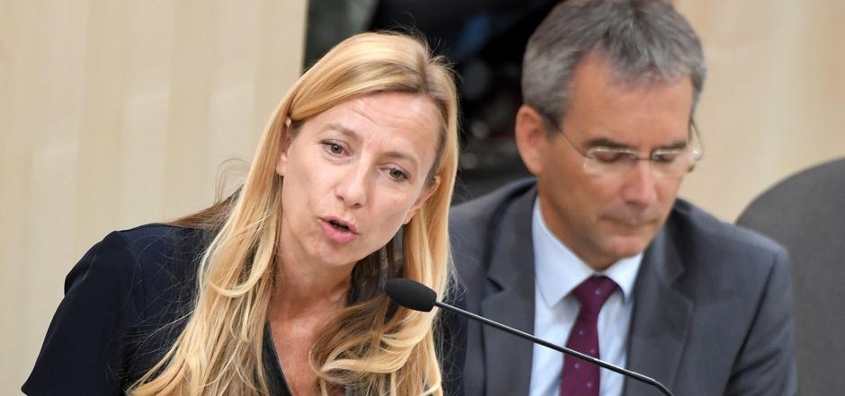 Die Minister Juliane Bogner-Strauß und Hartwig Löger veröffentlichten die Familienbeihilfe-Kinderabsetzbetrag-EU-Anpassungsverordnung.