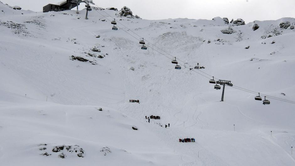 Das Schneebrett löste sich unterhalb der Bergstation der 6er-Sesselbahn Waidoffen.