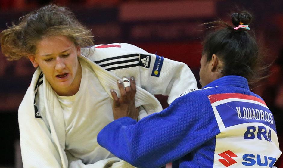 Die Innsbrucker Olympia-Hoffnung Kathrin Unterwurzacher (l.) muss nur ein Jahr nach dem Kreuzbandriss erneut einen Rückschlag hinnehmen. Die 26-jährige Judo-Kämpferin verletzte sich wieder am Knie.