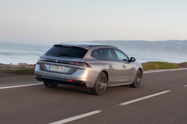 Es muss auch heutzutage nicht immer ein SUV sein: Peugeot hält am Mittelklasse-Kombi in Gestalt des 508 SW fest.