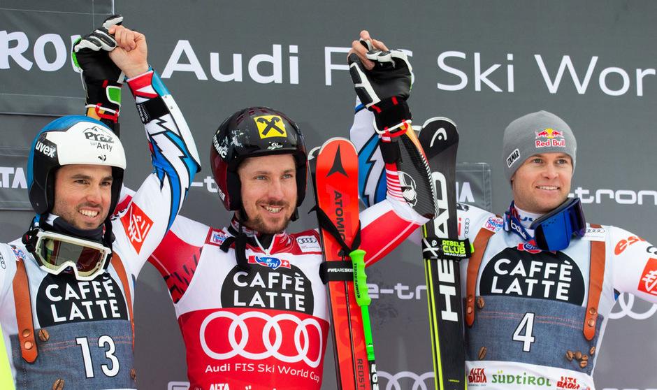 Die Franzosen Thomas Fanara und Alexis Pinturault nahmen Marcel Hirscher in die Mitte.