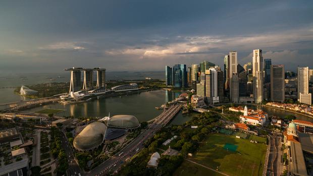 Der Flug startet im Inselstaat Singapur.