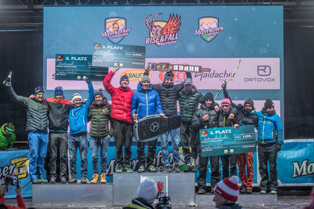 Das Red-Bull-Team kassierte den Siegerscheck über 4000 Euro vor Teamwork (l.) und Mountainbikeshop Hörhager.
