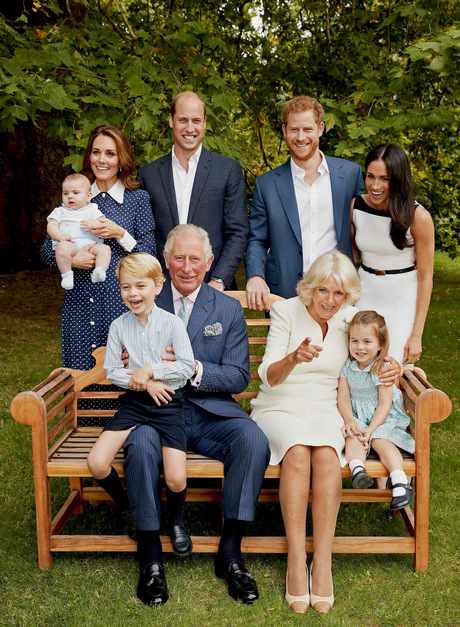 Zum 70. Geburtstag von Prinz Charles veröffentlichte der Palast Mitte November dieses Familienfoto.