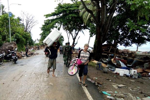 Der Tsunami dürfte durch den Ausbruch des Anak Krakatoa ausgelöst worden sein.