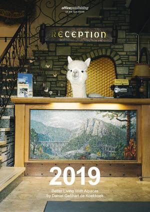 """Der Kalender """"Better living with Alpacas"""" kann signiert online für 25 Euro bestellt werden (www.gebhart.dk/alpacas/). Es gibt noch rund 100 Restexemplare."""