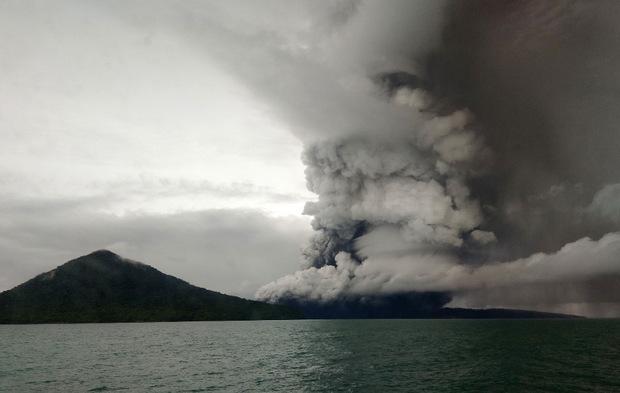 Der Ausbruch des Vulkans Anak Krakatoa am Samstag in der Meerenge von Sunda hatte einen verheerenden Tsunami ausgelöst.