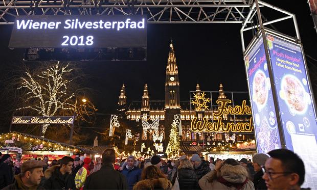 Bei Einbruch der Dunkelheit herrschte schon reger Betrieb am Wiener Silvesterpfad.