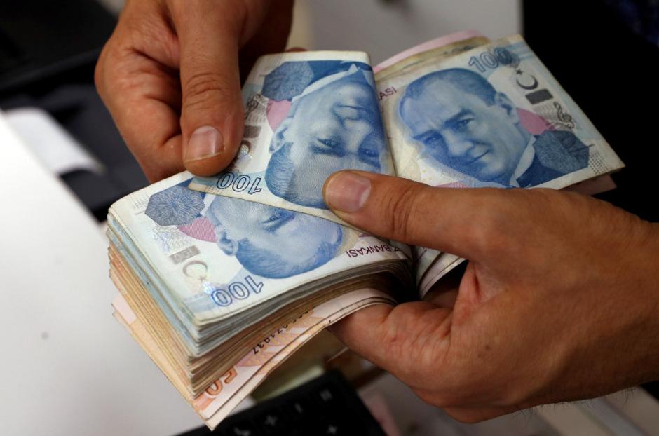 Die türkische Lira verlor im vergangenen Jahr um 28 Prozent im Vergleich zum Dollar.