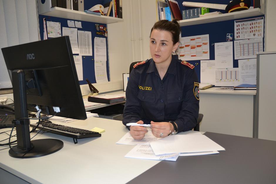 Astrid Mair, Bezirkskommandant-Stvin., appelliert an die Autofahrer, nicht alkoholisiert zu fahren.
