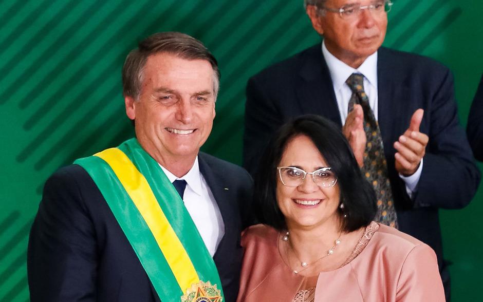 Brasiliens neuer Präsident Jair Bolsonaro und die neue Ministerin für Frauen, Familien und Menschenrechte, Damares Alves.