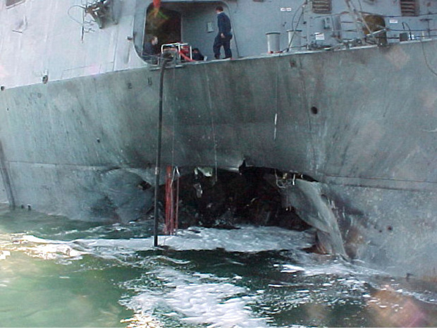 Der Angriff auf die USS Cole im Jahr 2000.