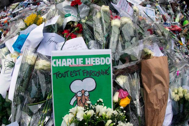 """""""Alles ist vergeben"""" mit einem weinenden Mohammed - dieses Cover zierte """"Charlie Hebdo"""" nach dem Anschlag. Es wurde in etlichen Tageszeitungen weltweit - auch in der TT - auf der Titelseite reproduziert."""