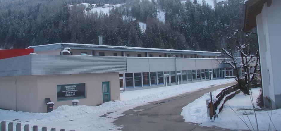 Die Gemeinde Fließ hat kurz vor Weihnachten das HaHo-Gebäude in Nesselgarten erworben und macht einen Gewerbepark daraus.