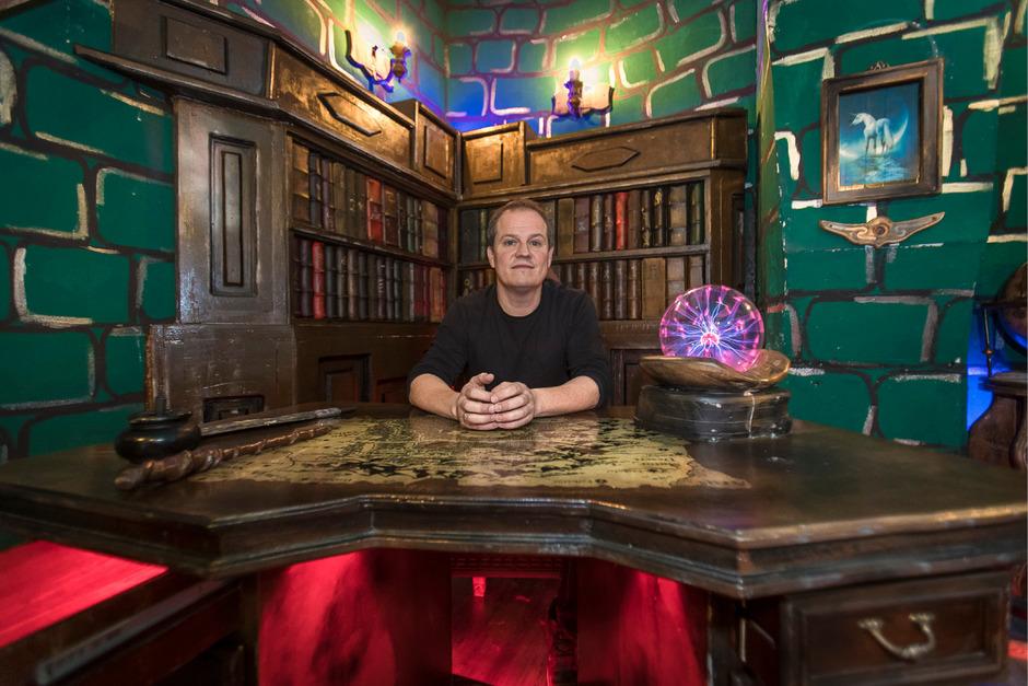 """Ob im """"Waisenhaus"""" oder im """"Zauberschloss"""" – EscapeGame-Chef Bernhard Vogl ist für die Sicherheit seiner Besucher verantwortlich."""