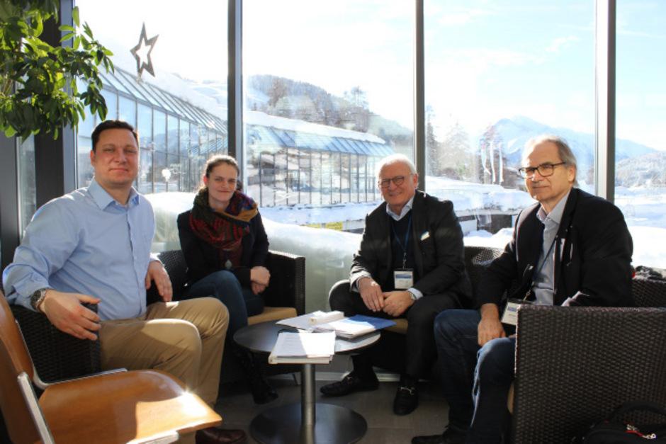 V.l.: Univ.-Prof. Thomas Brück, Prof. Bianka Siewert, Univ.-Prof. Günther Bonn und Univ.-Prof. Hermann Stuppner.
