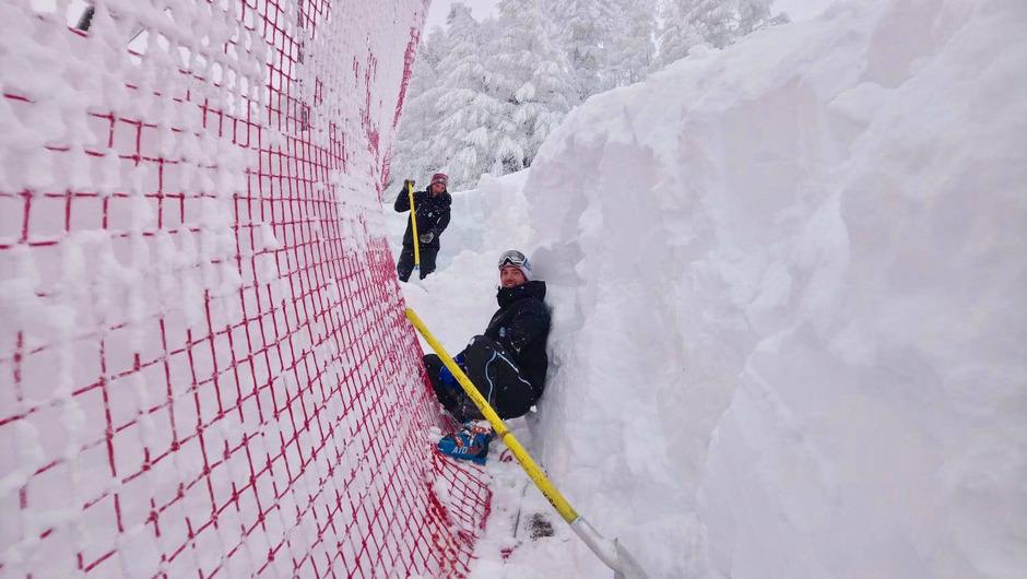 Ein Traum in weiß: Bis zu zwei Meter hoch türmten sich die Schneewände in Kitzbühel.