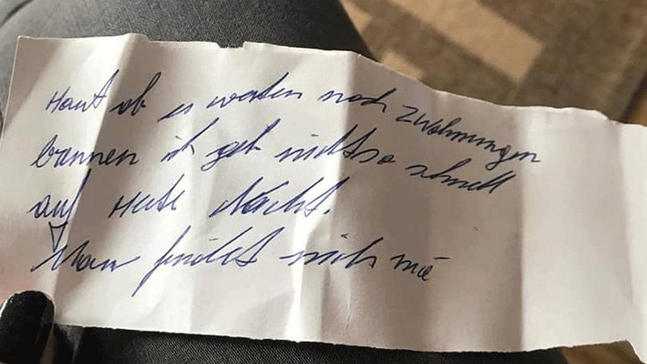 Dieser Drohbrief landete am Montag in den Postkästen von vier Hausbewohnern. Am Dienstag brach tatsächlich ein Brand aus.