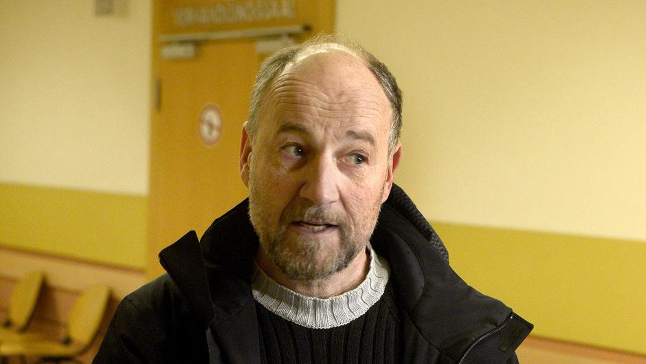 Roland Düringer war als Zeuge anwesend.