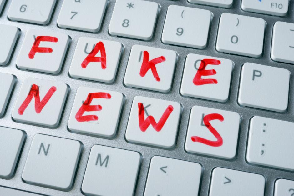 Fake News gewinnen vor allem im Zeitalter von Social Media an Reichweite.
