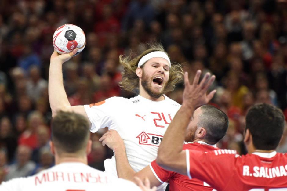 Angeführt von Superstar Mikkel Hansen fertigte Dänemark Chile mit 39:16 ab.