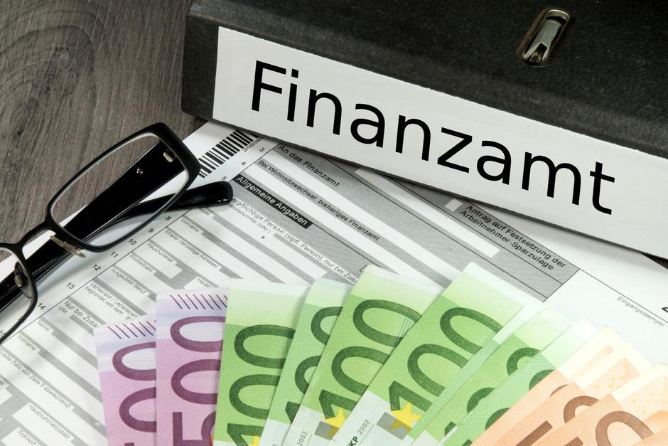 Der Finanzminister darf sich auf weitere versteckte Steuererhöhungen freuen.