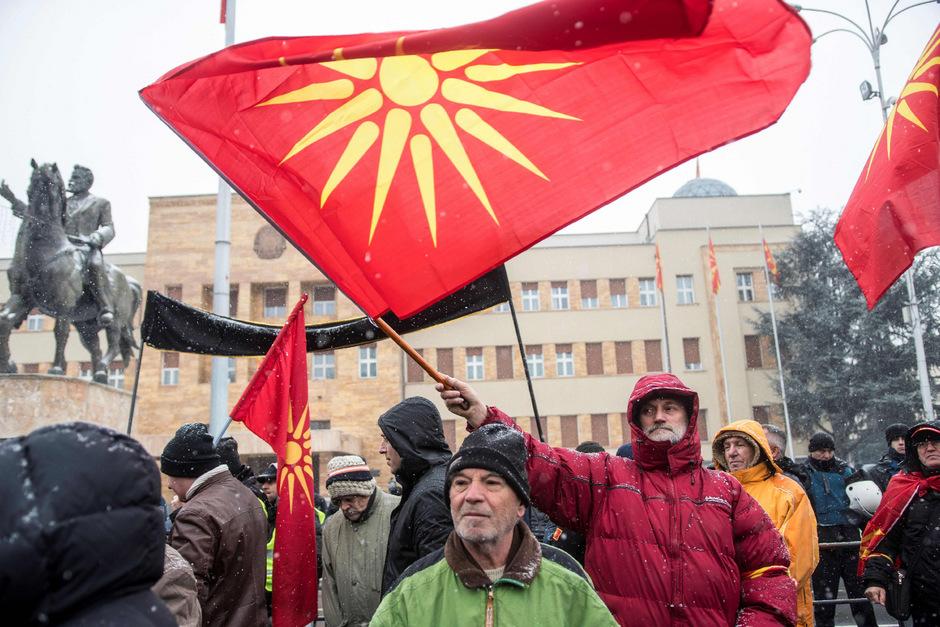 Demonstranten in Skopje protestierten gegen die Namensänderung.