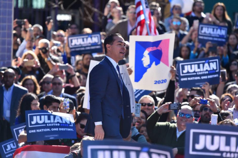 Julian Castro rechnet sich mit seinem Hintergrund, seiner Regierungserfahrung und Beliebtheit gute Chancen aus.