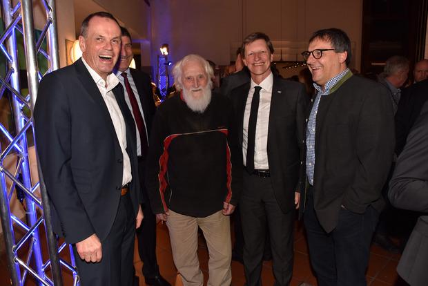 Auch EWR-Vorstand Michael Hold, Hubert Glätzle, Raiba-Vorstand Wolfgang Hechenberger und AAB-Chef Johannes Mutschlechner hatten einen kurzweiligen Smalltalk.